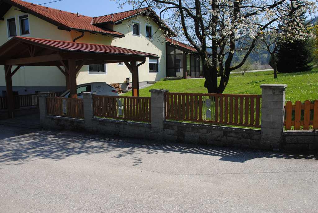 Rader-Balkon_OÖ_Bezirk_Schärding_Bezirk_Rohrbach_Aluzaun_Holzdekor-20