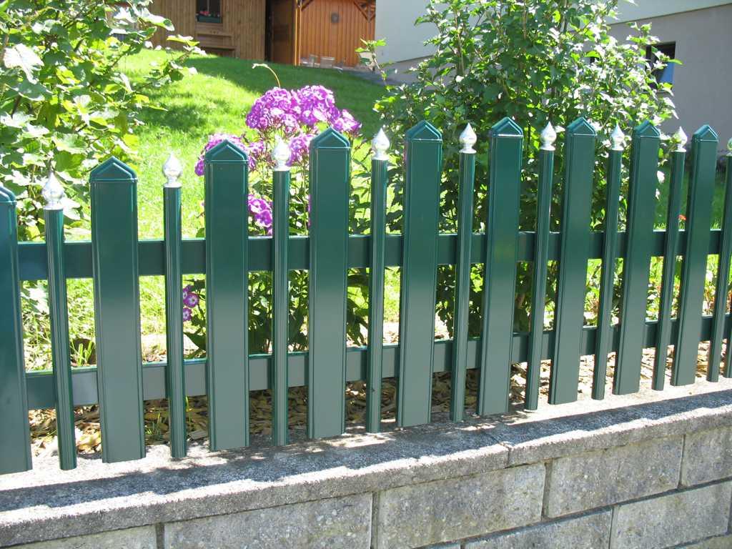 Rader-Balkon_OÖ_Bezirk_Schärding_Bezirk_Rohrbach_Aluzaun_Latte_Palisade-02