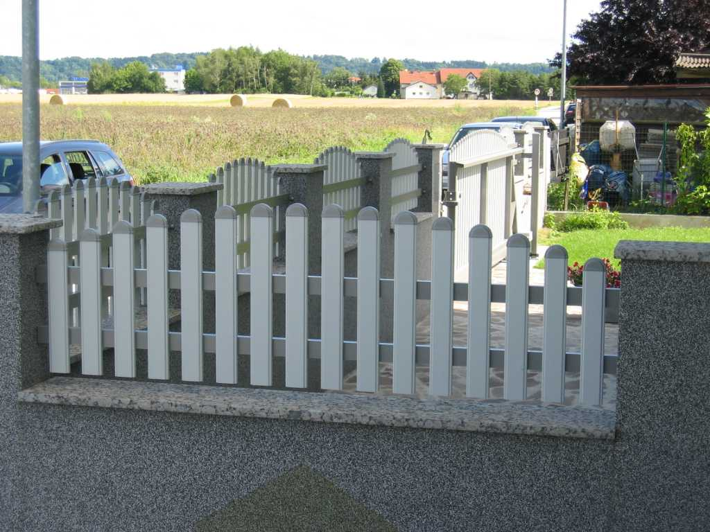 Rader-Balkon_OÖ_Bezirk_Schärding_Bezirk_Rohrbach_Aluzaun_Nutlatte-09