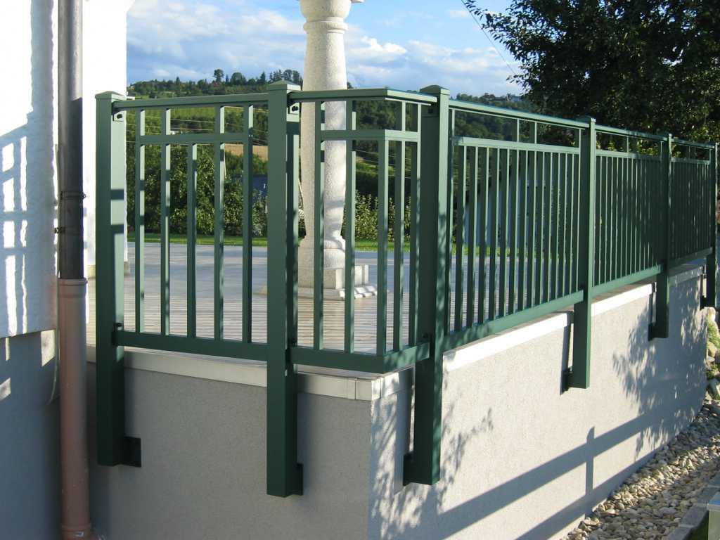 Rader-Balkon_OÖ_Bezirk_Schärding_Bezirk_Rohrbach_Aluzaun_Palisade-24