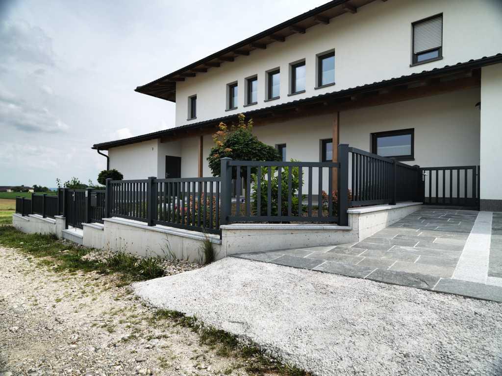 Rader-Balkon_OÖ_Bezirk_Schärding_Bezirk_Rohrbach_Aluzaun_Stakete-10