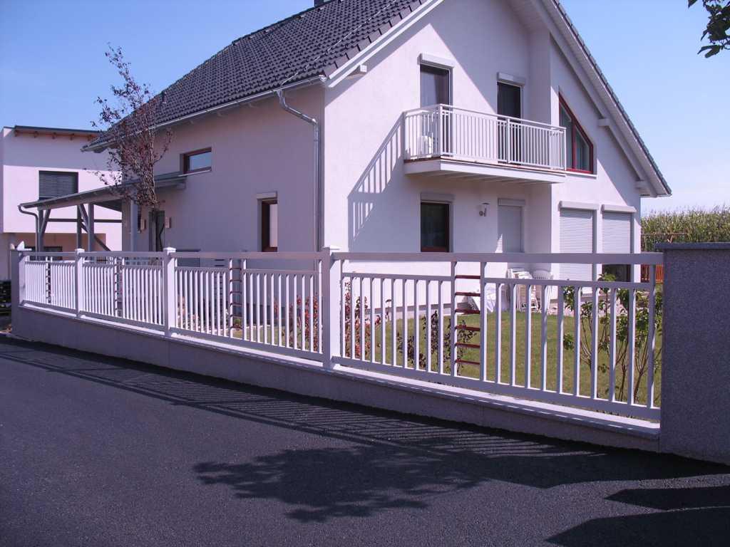 Rader-Balkon_OÖ_Bezirk_Schärding_Bezirk_Rohrbach_Aluzaun_Stakete-Dekor-30