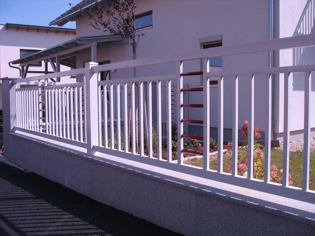 Rader-Balkon_OÖ_Bezirk_Schärding_Bezirk_Rohrbach_Aluzaun_Stakete-Dekor-33