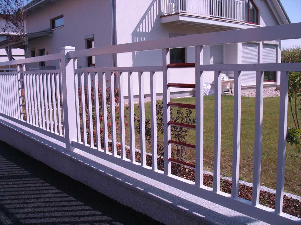Rader-Balkon_OÖ_Bezirk_Schärding_Bezirk_Rohrbach_Aluzaun_Stakete-Dekor-39
