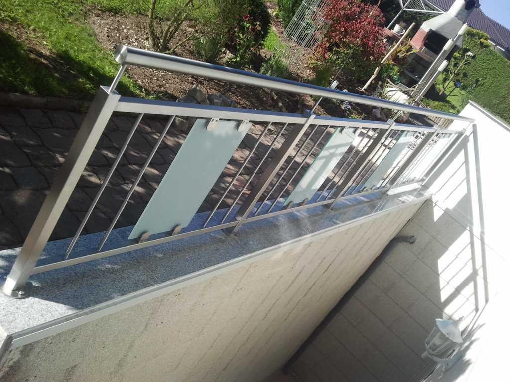 Rader-Balkon_OÖ_Bezirk_Schärding_Bezirk_Rohrbach_Glas_Edelstahl-07