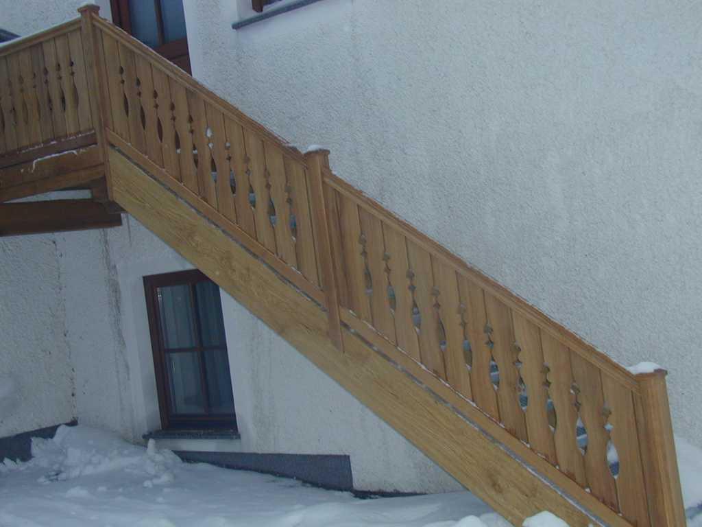 Rader-Balkon_OÖ_Bezirk_Schärding_Bezirk_Rohrbach_Stiegengeländer-05
